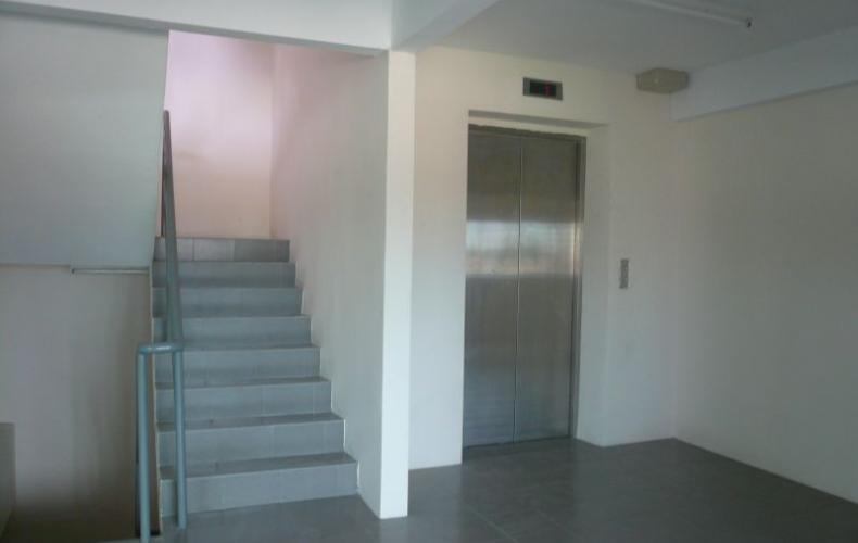 Lift & staircase to car park